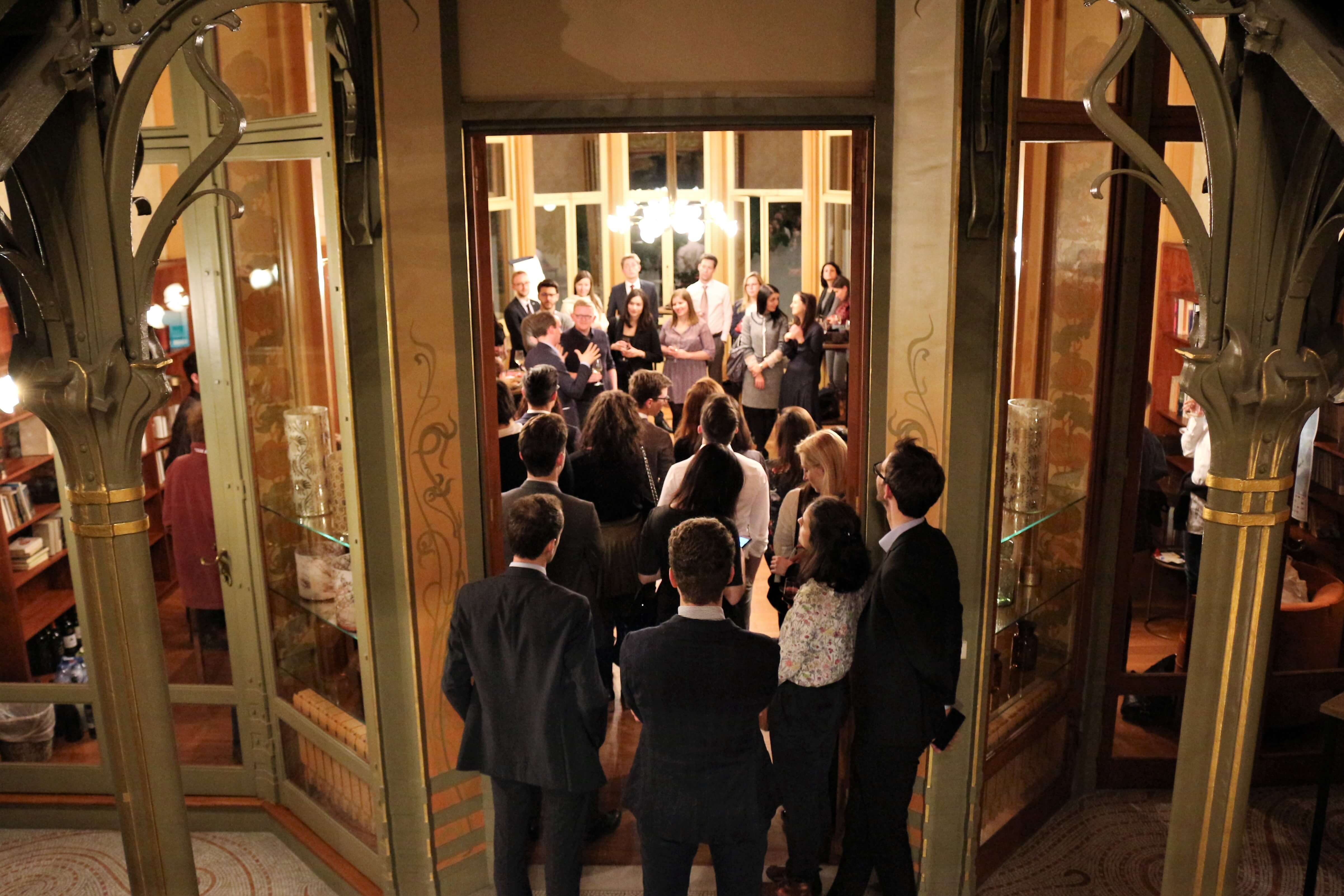 NOVE's Bubbling Up brings young Brussels professionals together